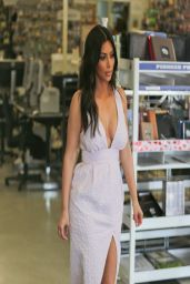 Kim Kardashian Street Style - Shops For Camera Gear - March 2014