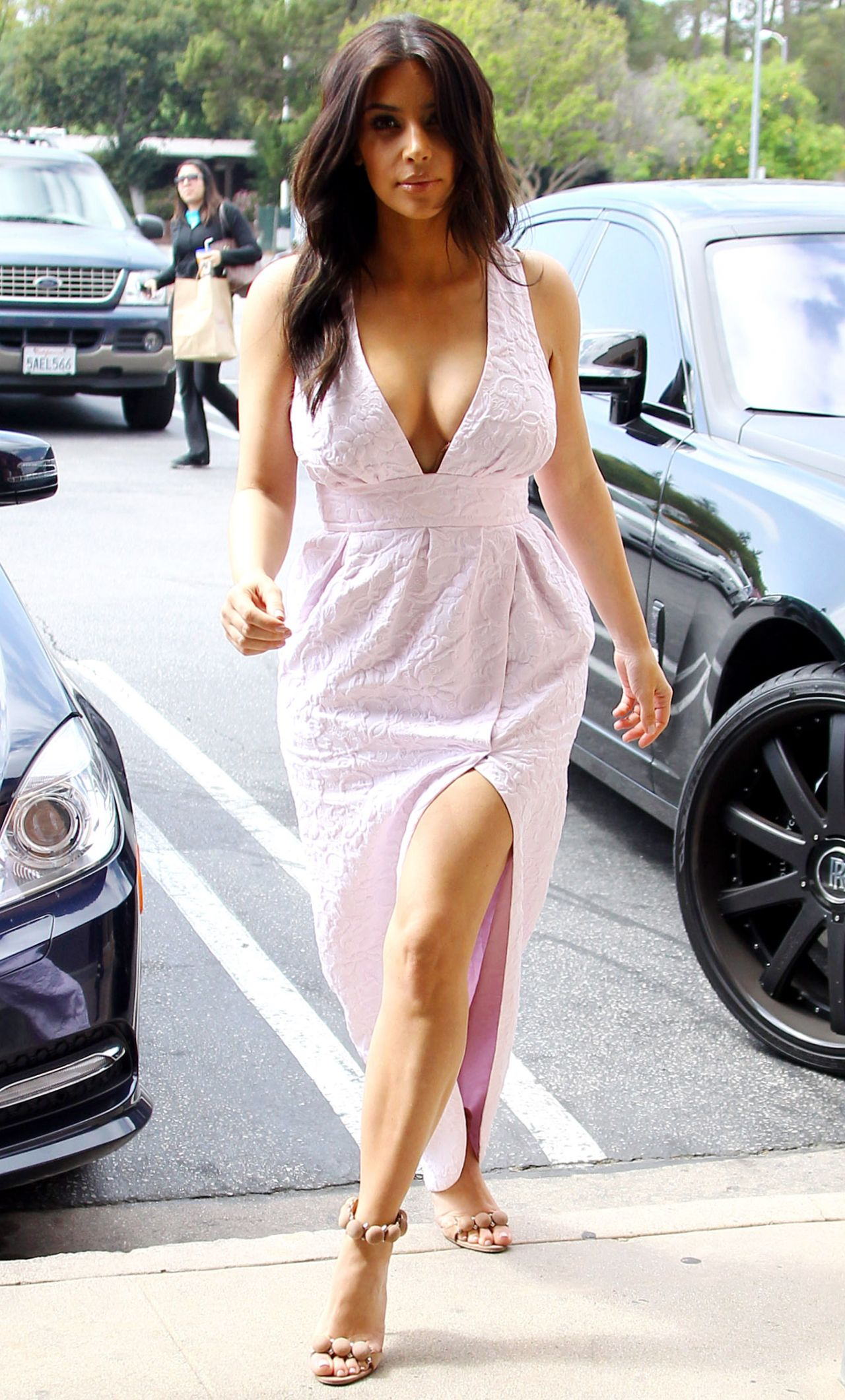 Kim Kardashian Street Style - Shops For Camera Gear ...