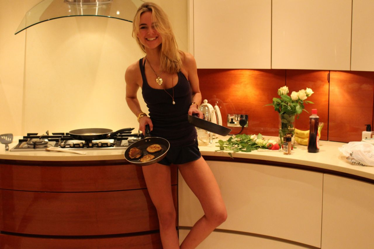 Kimberley Garner - Makes Pancakes - March 2014