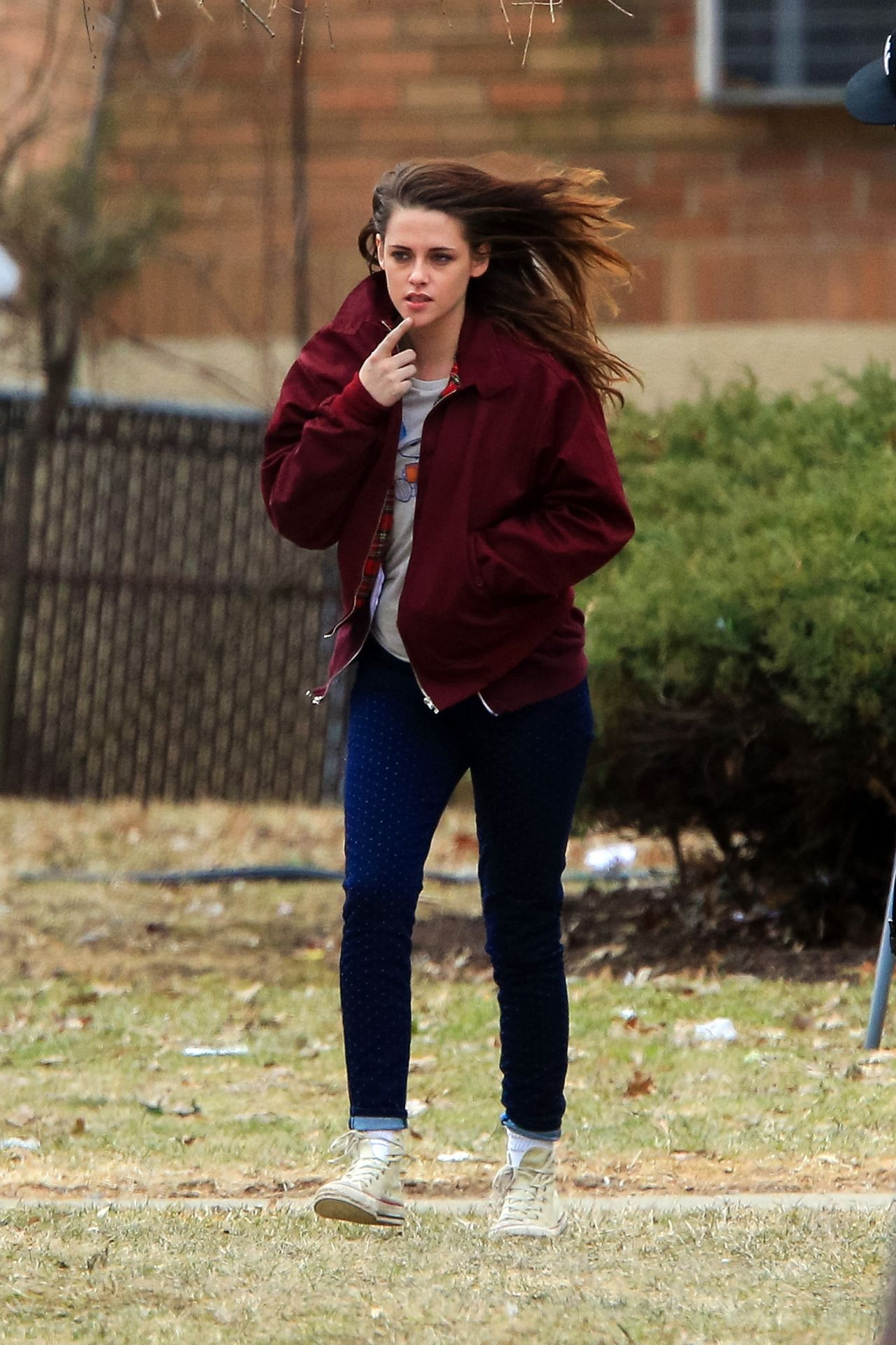 Kristen Stewart Street Style Out In Ny March 2014