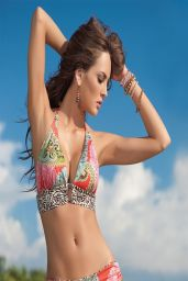 Macrielena Velez Sanchez Bikini Photoshoot