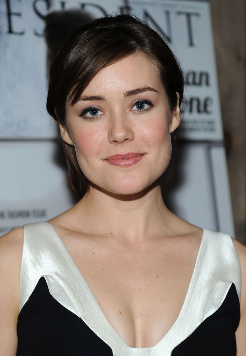 Megan Boone earned a  million dollar salary, leaving the net worth at 3 million in 2017