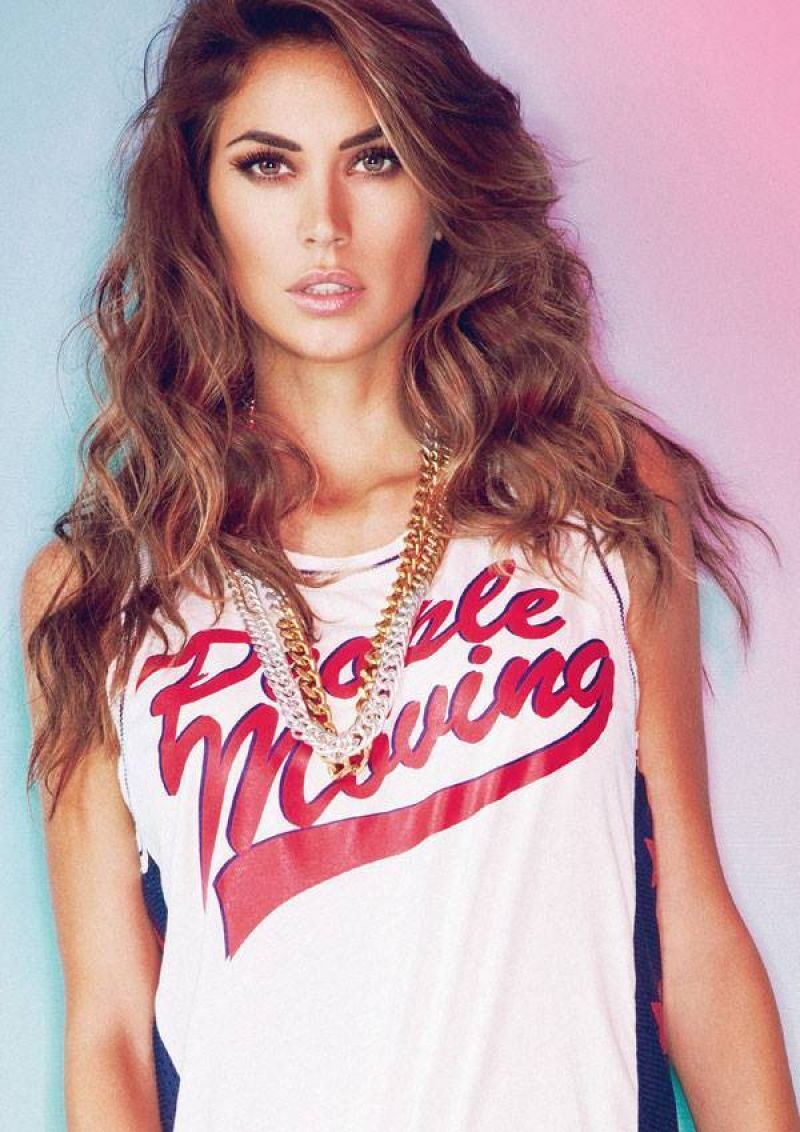 Melissa Satta Photoshoot Two Play Different Spring