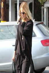 Mena Suvari - Leaving Fred Segal in West Hollywood - March 2014