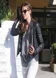 Michelle Monaghan at Earth Bar in Los Angeles - March 2014