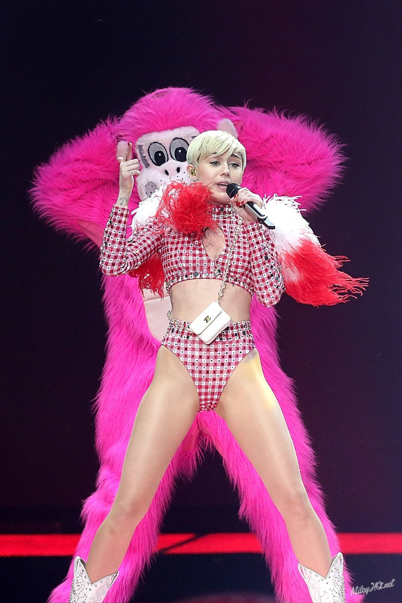 Miley Cyrus Performs at Bangerz Tour at AT&T Center in San Antonio - March 2014