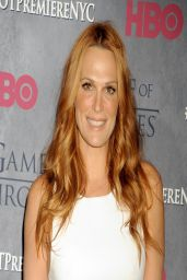 Molly Sims Wearing Alice + Olivia at 'Game of Thrones' Season 4 Premiere in New York City