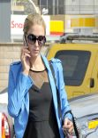 Paris Hilton Arrives at Ping Hair Salon - March 2014