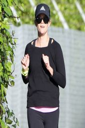 Reese Witherspoon Jogging - Brentwood, March 2014