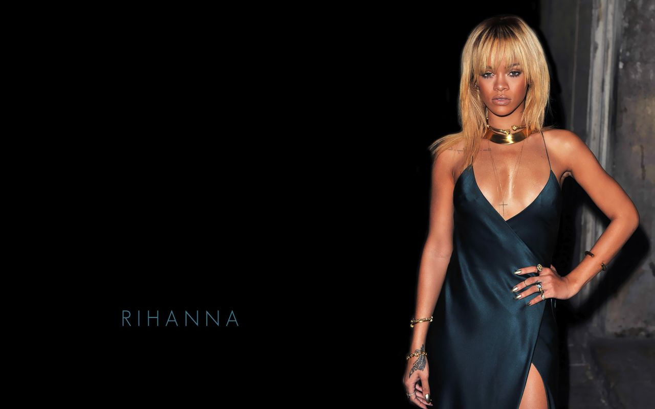 Rihanna - 7 Hot Wallpapers