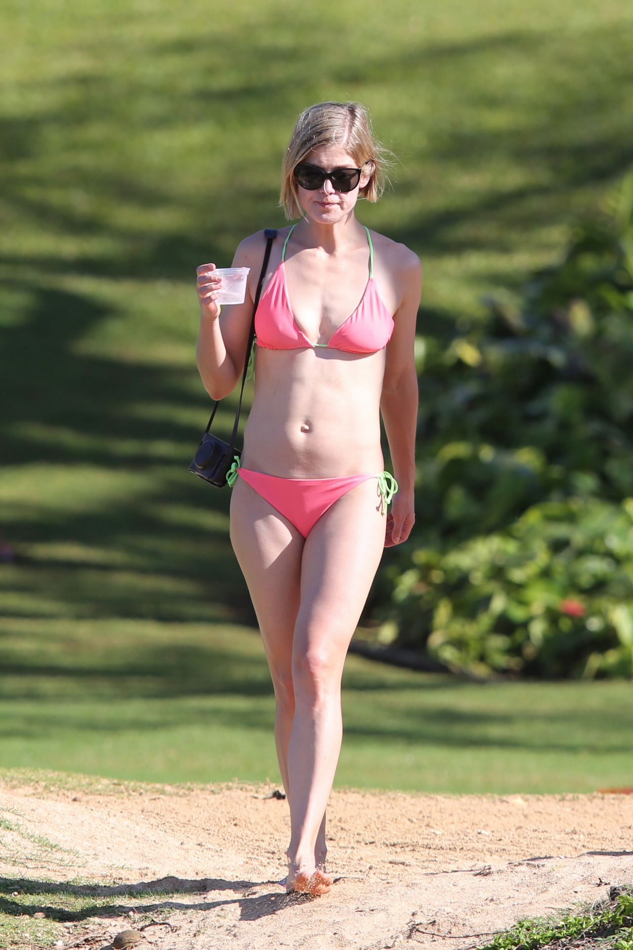 Rosamund Pike in a Bikini in Hawaii, March 2014