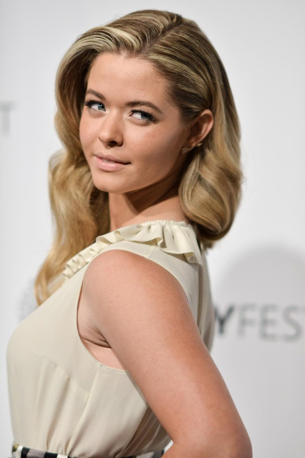 Sasha Pieterse - 'Pretty Little Liars' – PaleyFest 2014