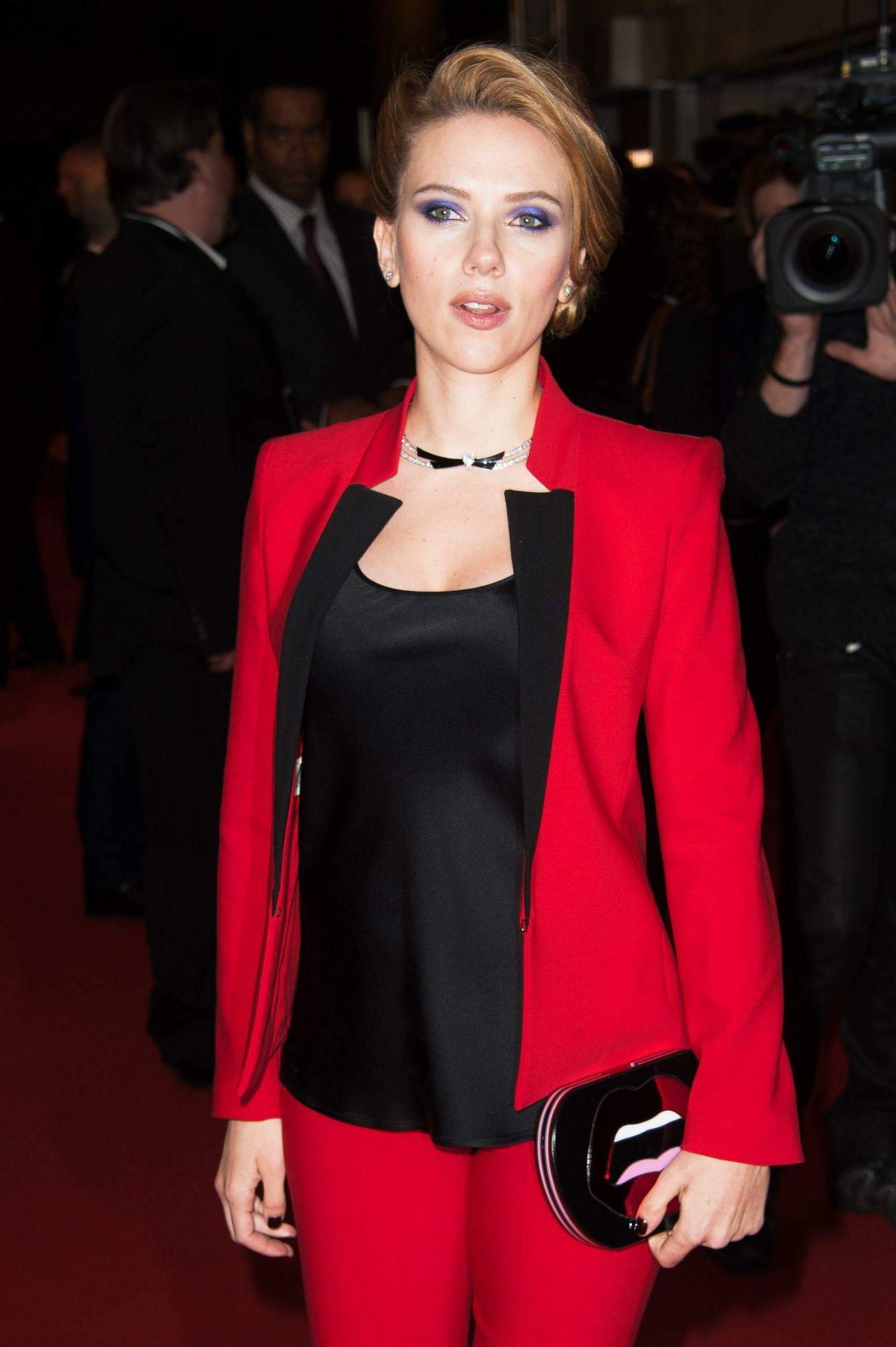 Scarlett Johansson In Michael Kors Captain America The