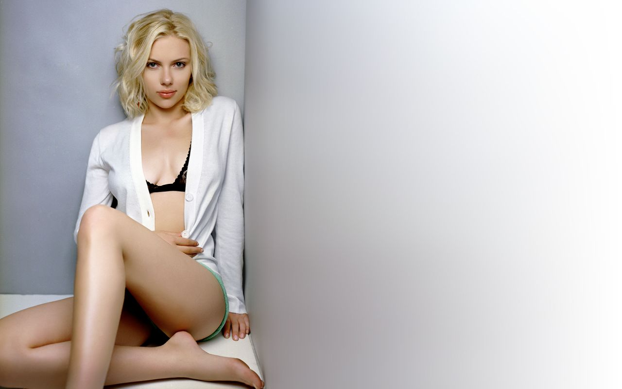 Scarlett Johansson Hot Wallpapers 20-2625