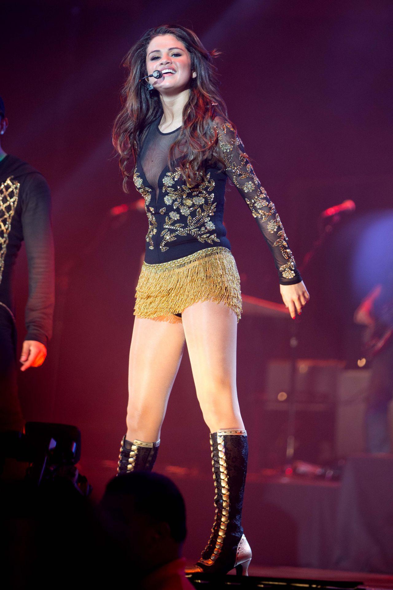 Selena gomez whiplash san diego - 2 part 4