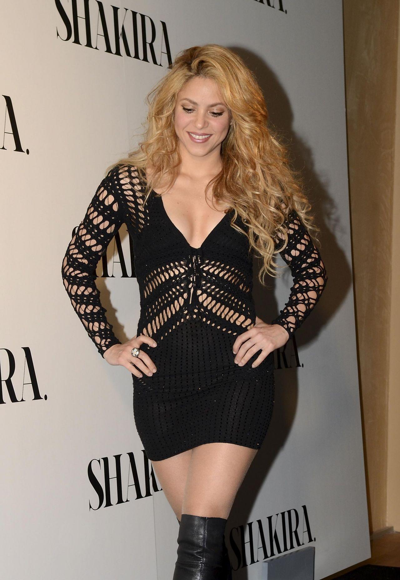 Shakira 2014 Album Photocall In Spain