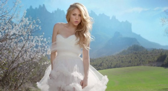 shakira-empire-music-video-stills-2014-_12