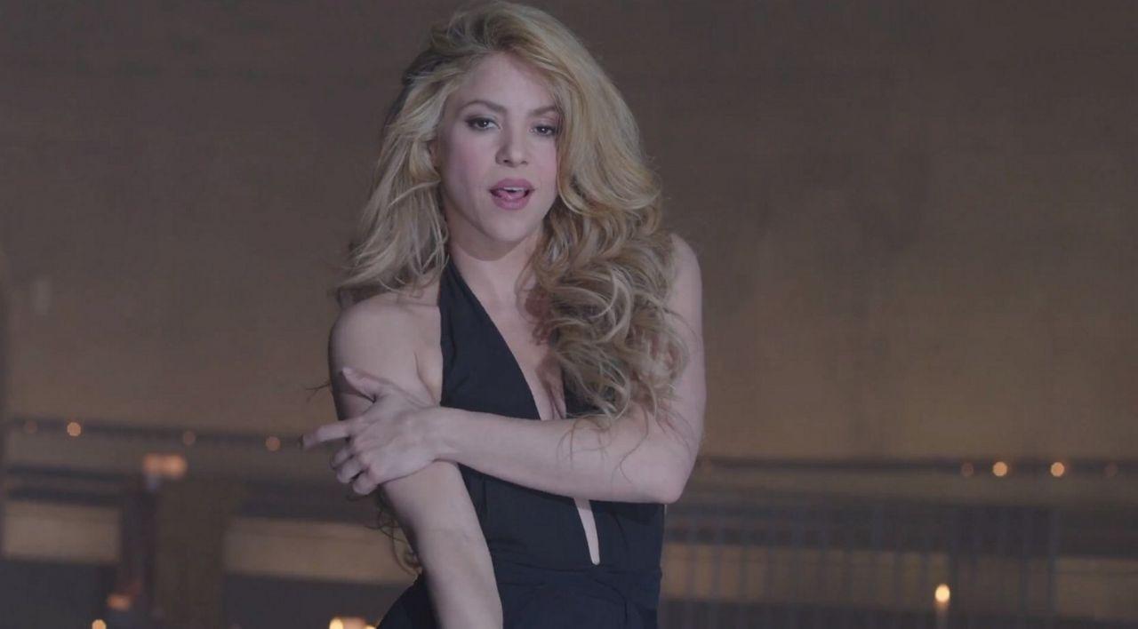 Shakira Empire Music Video Stills 2014