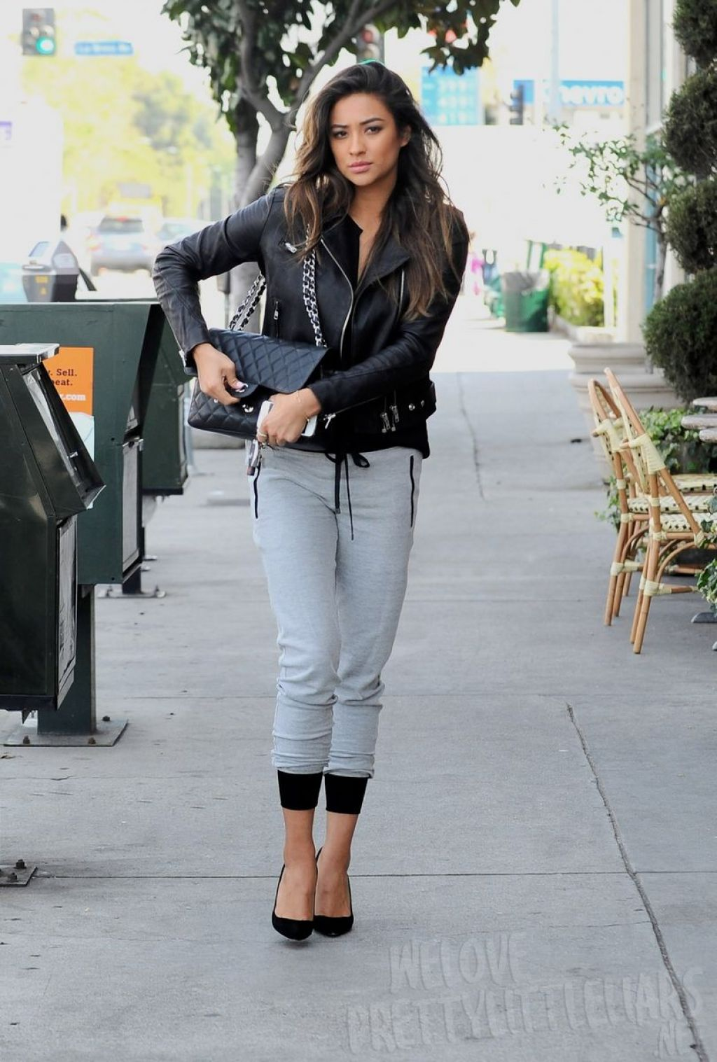 shay mitchell casual street style out for lunch with. Black Bedroom Furniture Sets. Home Design Ideas