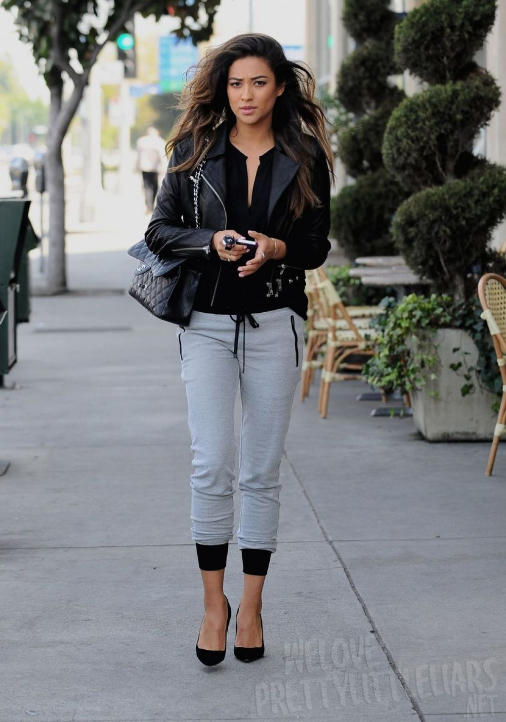 Shay Mitchell Casual Street Style Out For Lunch With