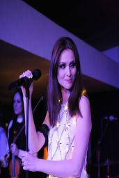 Sophie Ellis-Bextor Performing by Candlelight For the WWF Earth Hour - London, March 2014