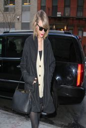 Taylor Swift Casual Style - Out in New York City - March 2014