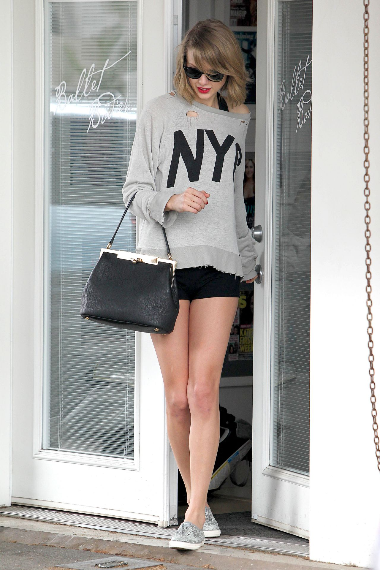 Taylor Swift Leaving A Dance Studio March 2014
