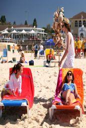 Ariel Winter, Sarah Hyland, Sofia Vergara & Julie Bowen - Modern Family S05E20 Photos