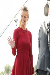 Brooklyn Decker Shows Off Her Legs on the set of Extra in LA - March 2014