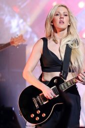 Ellie Goulding - Performing in Vancouver - April 2014