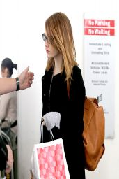 Emma Stone - LAX Airport in Los Angeles - April 2014