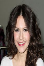 Erin Sanders Attends Girl Scout Cookie Championship Giveaway in Los Angeles - April 2014