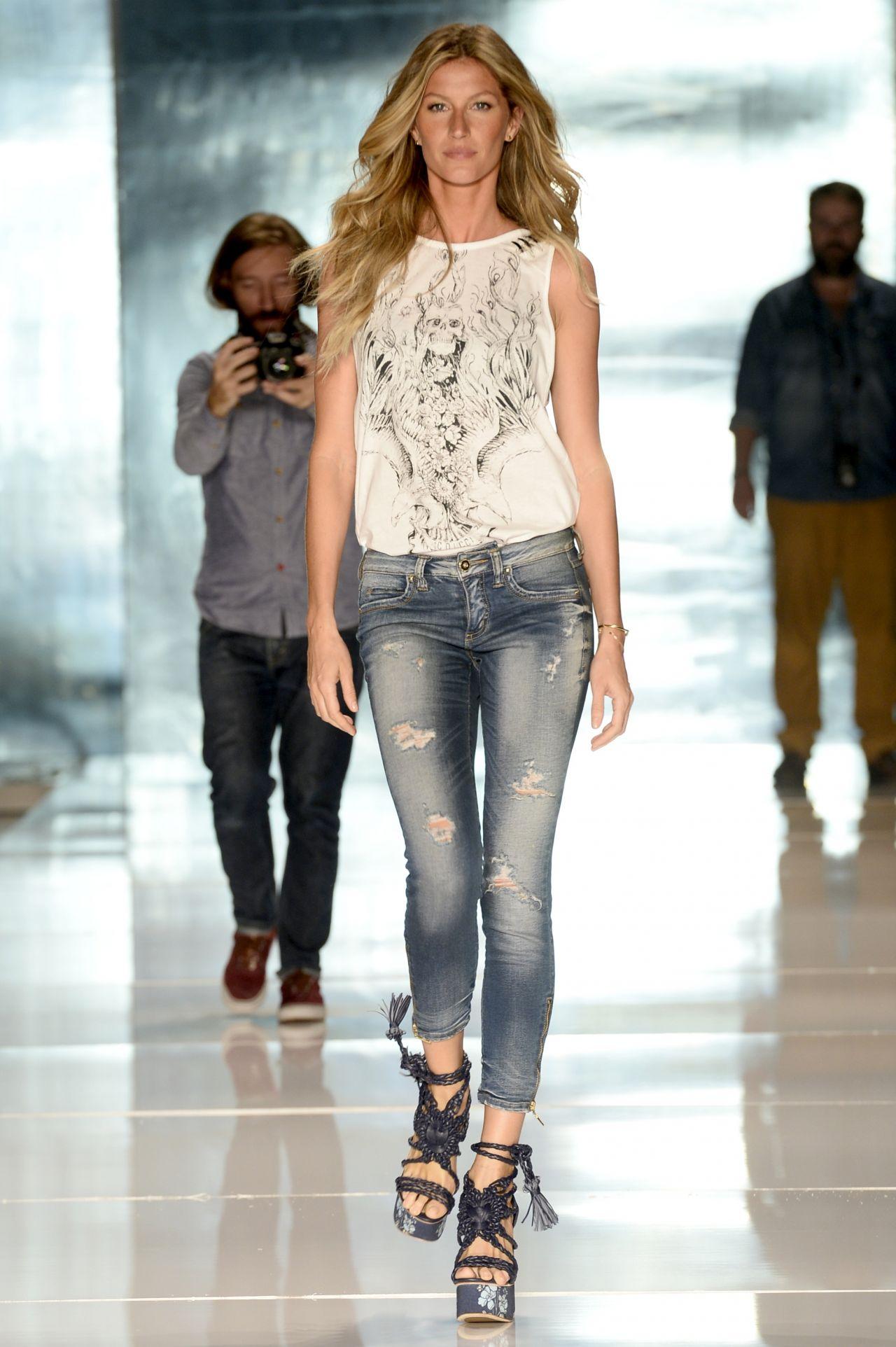 #VagabombPicks: Gisele Bundchen's Top 34 Looks Over the Years