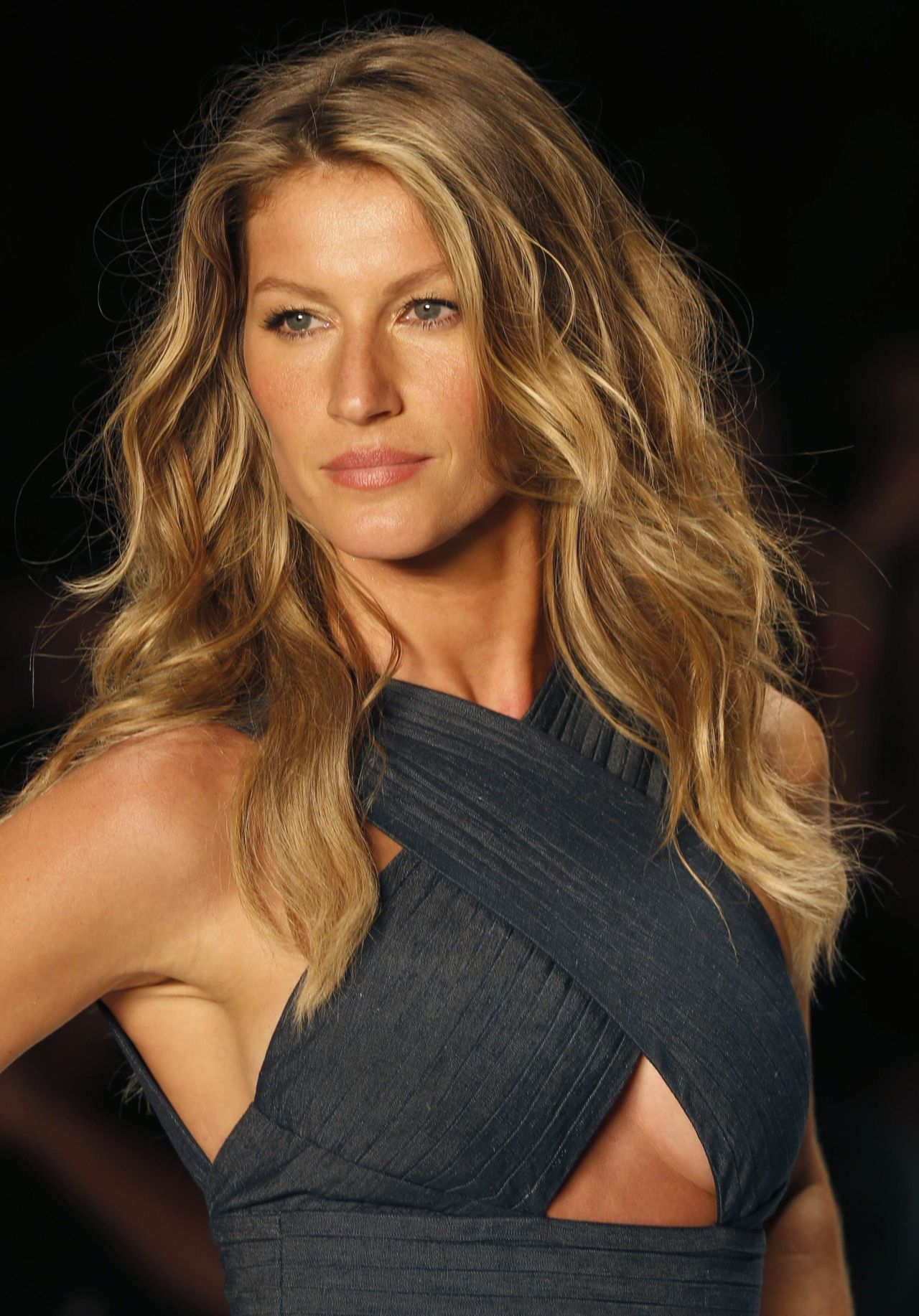 Gisele Bundchen - Colcci Summer 2015 Fashion Show - April 2014 Gisele Bundchen