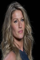 Gisele Bundchen - Colcci Summer 2015 Fashion Show - April 2014