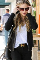 Halston Sage Casual Style – Out in Los Angeles – April 2014