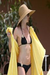 Heidi Klum Bikini Candids - Bahamas, March 2014