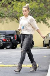 Hilary Duff in Ripped Skinny Jeans - Stops by Coffee Bean in West Hollywood