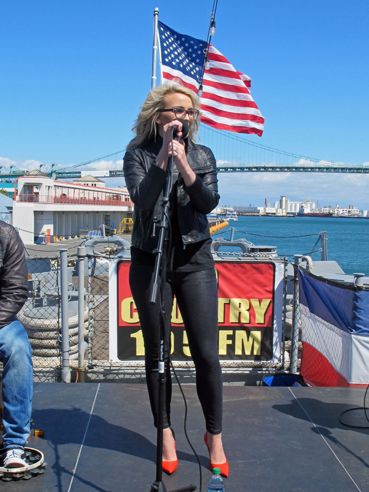 Jamie Lynn Spears - Concert on the Battleship Iowa in San Pedro - April 2014