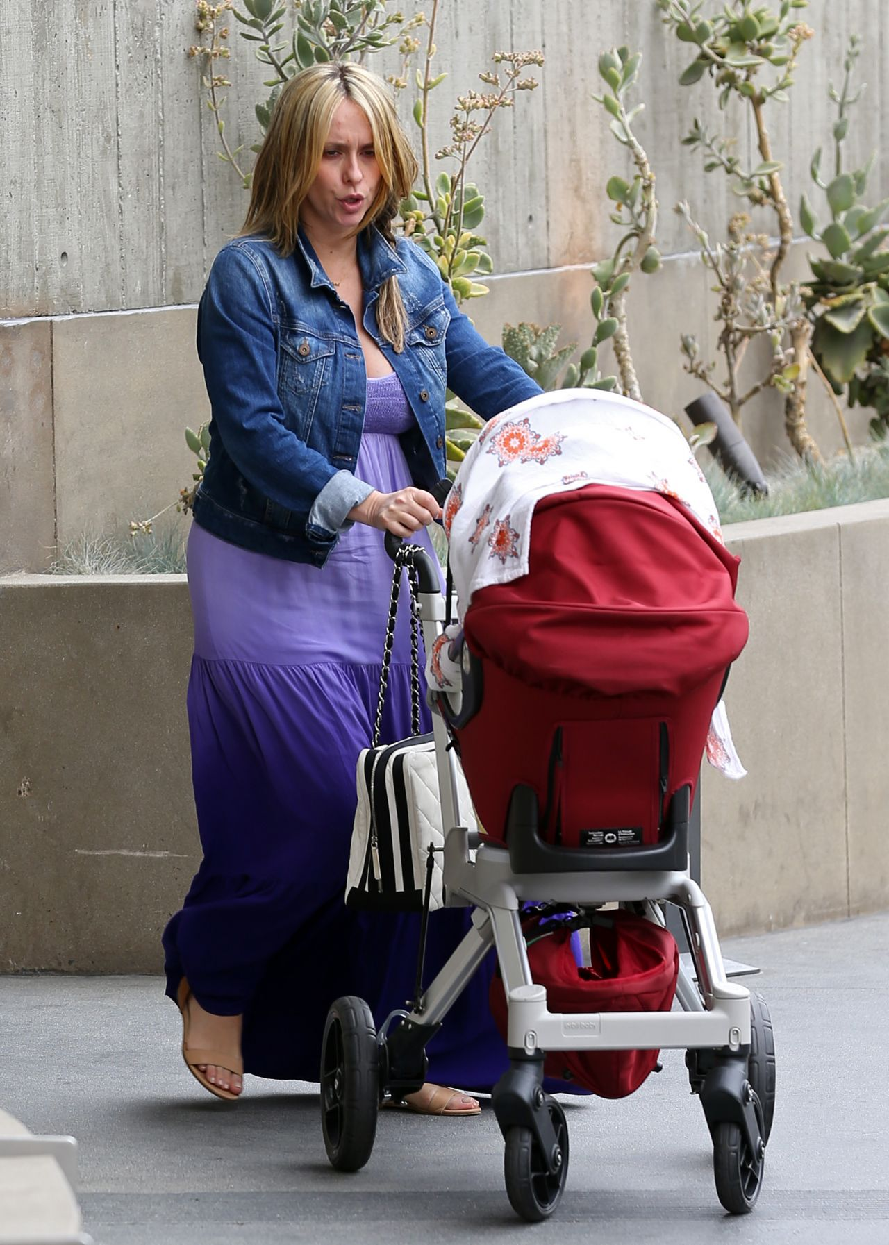 Jennifer Love Hewitt - Out in Santa Monica - April 2014