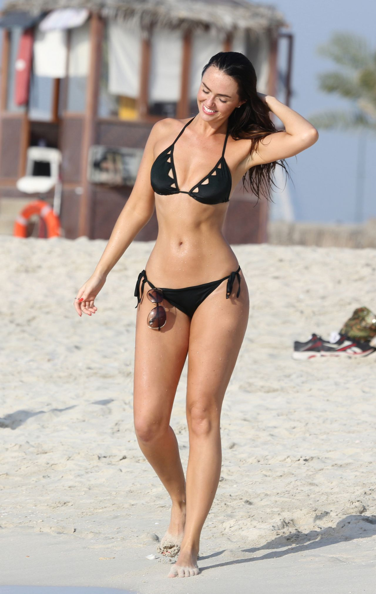 Jennifer Metcalfe Bikini Candids - Dubai Beach - April 2014