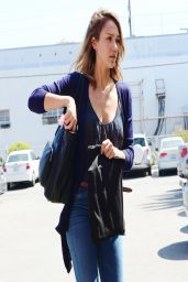 Jessica Alba - Arriving at the Honest Company Offices - April 2014