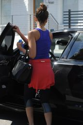 Jessica Alba Gym Style - April 2014