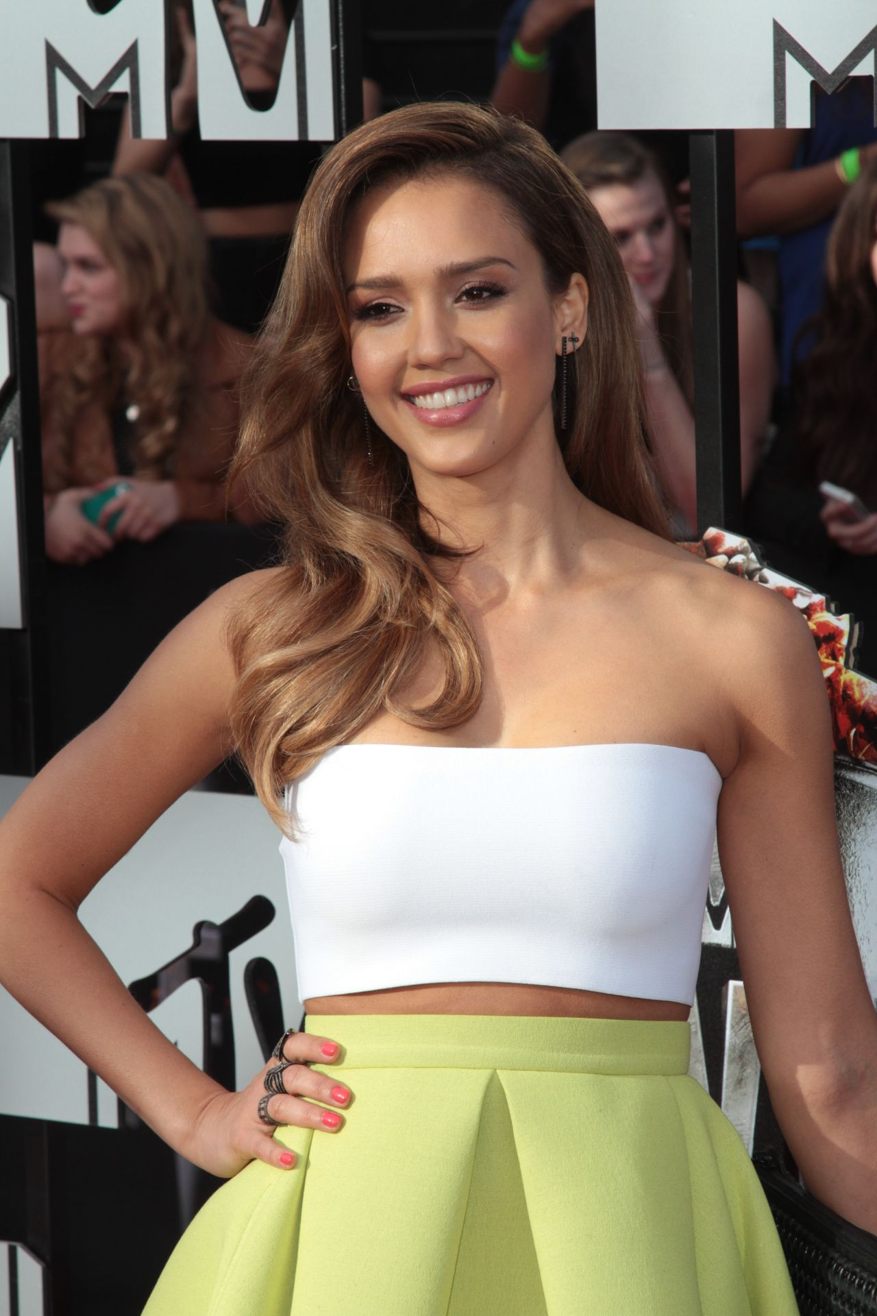 Jessica Alba Wearing Piece d'Anarchive & Kenzo - 2014 MTV Movie Awards