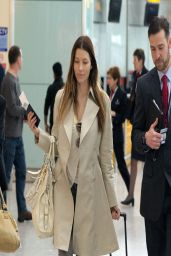 Jessica Biel Flies out of Heathrow Airport (London) to Los Angeles - April 2014