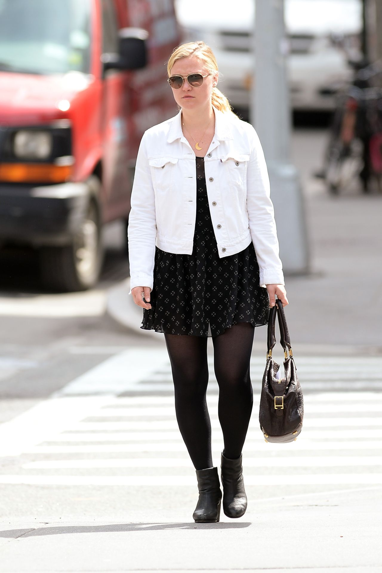 Julia Stiles Casual Style Out In New York City April 2014