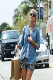 Julianne Hough Street Style - at Cuvee Restaurant in Beverly Hills