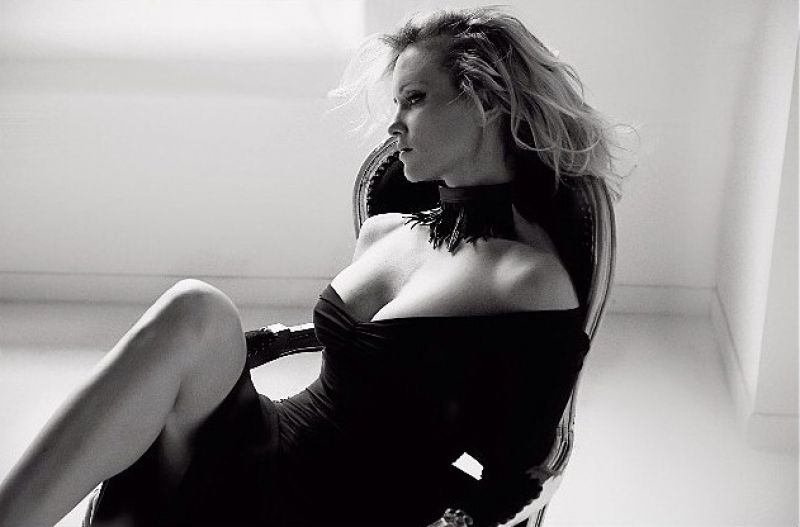 Justine Mattera - Instagram Photoshoot - April 2014