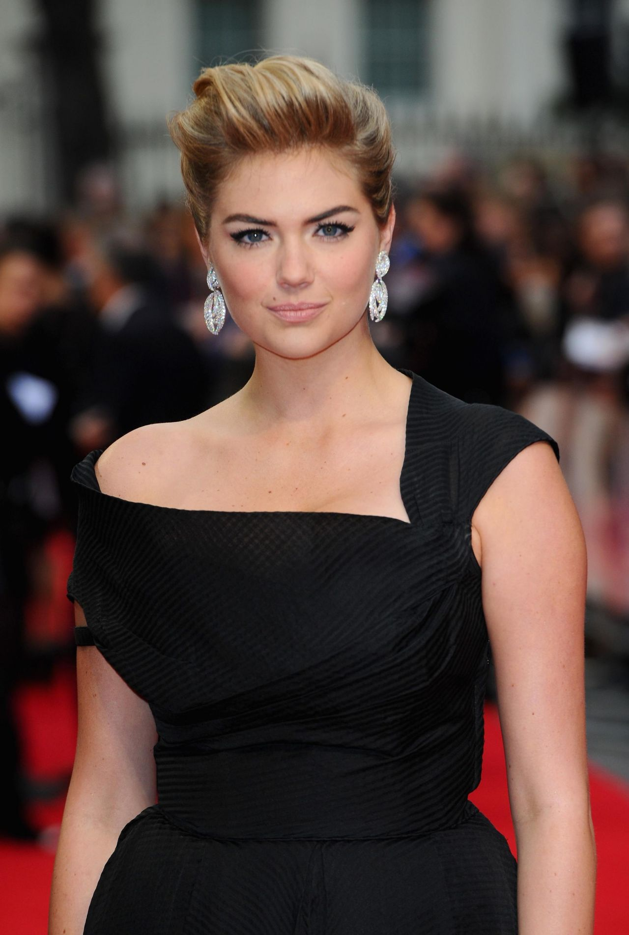 Kate Upton In Williamvintage Dress The Other Woman