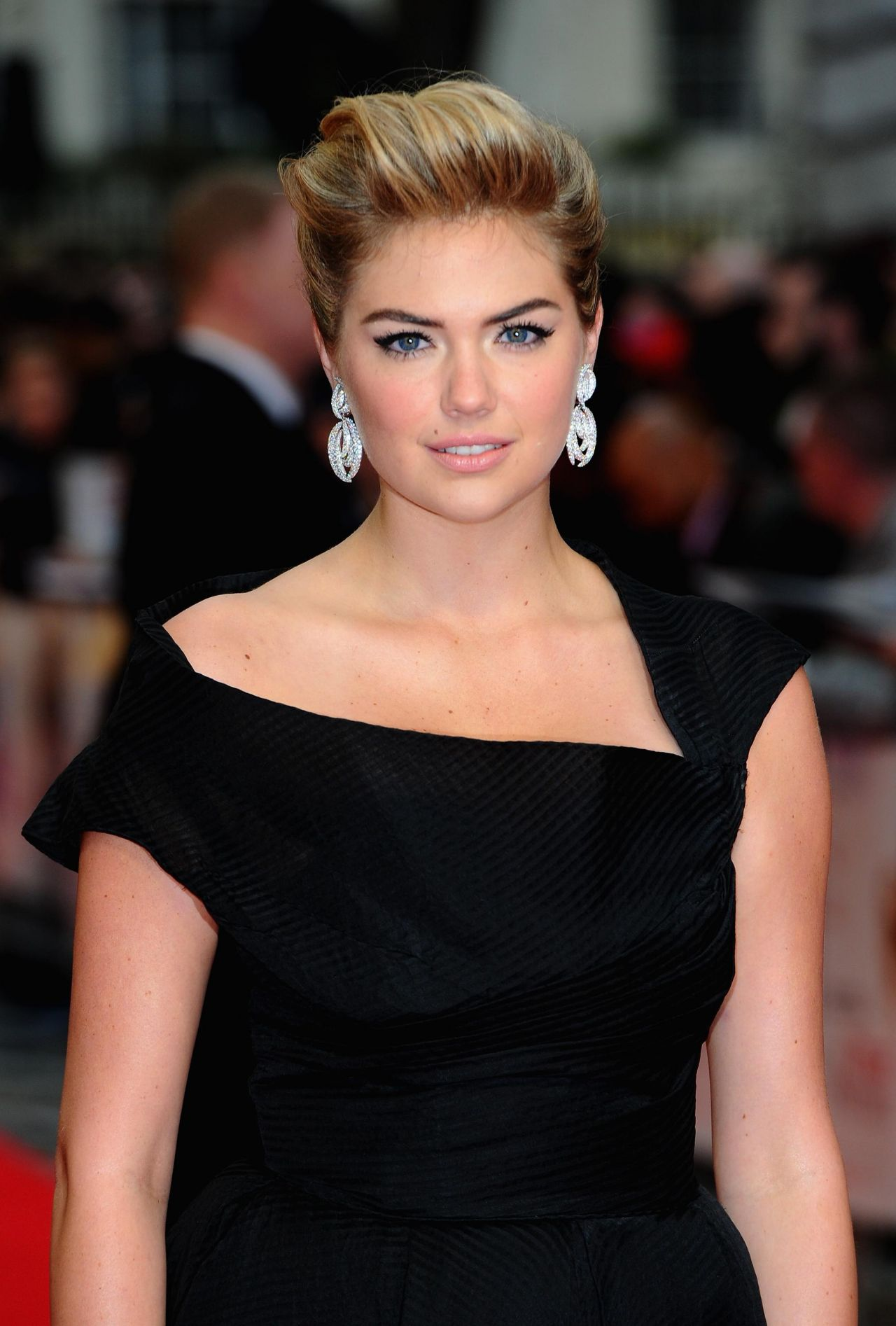 Kate Upton in WilliamVintage Dress - 'The Other Woman ...